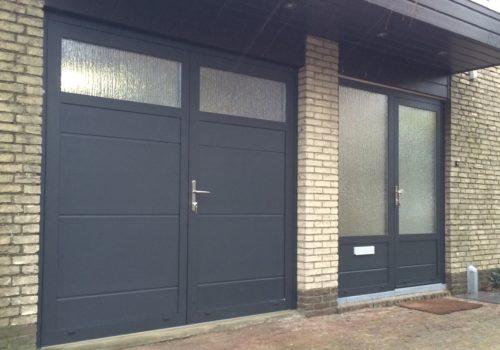 Openslaande garagedeuren met glas different doors - Deur kast garagedeur ...