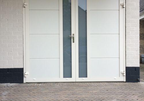 openslaande-garagedeur-met-middenprofilering