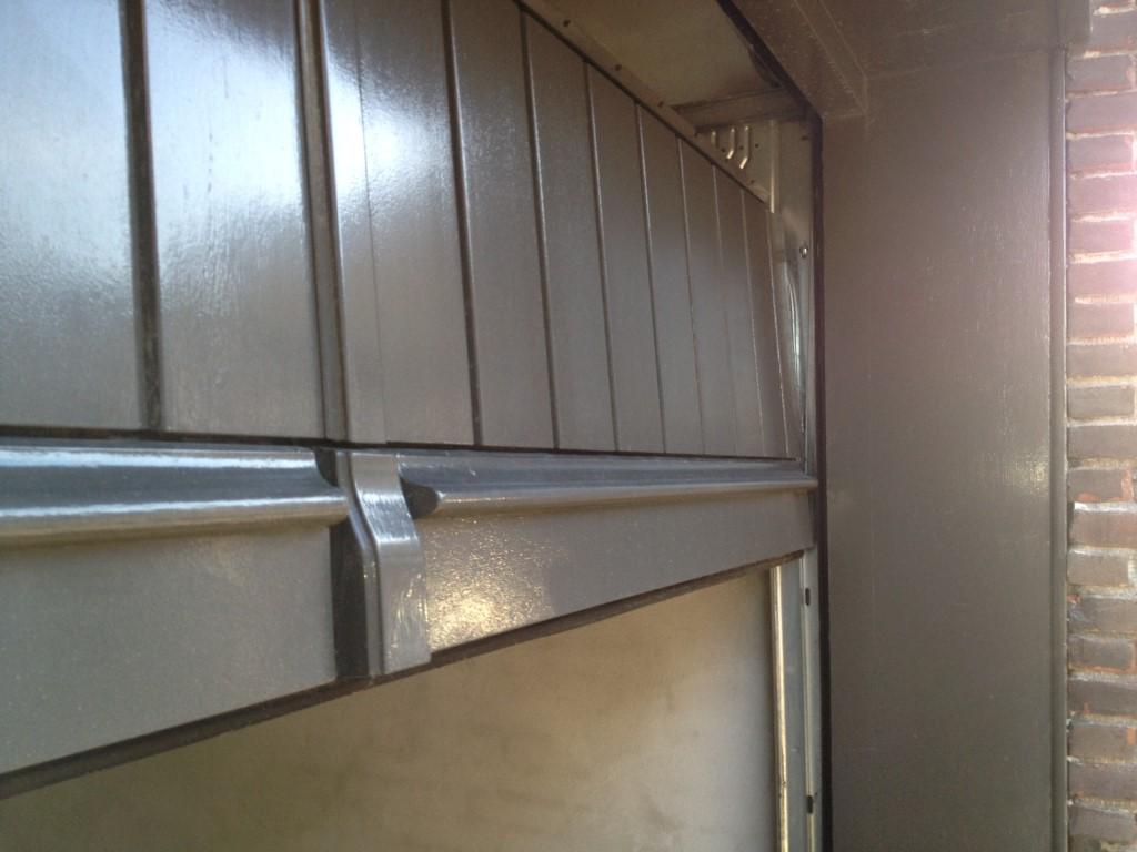 detail houten sectionaaldeur