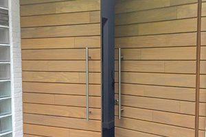 Houten-voordeur-en-garagedeur-in-dezelfde-stijl-sm4