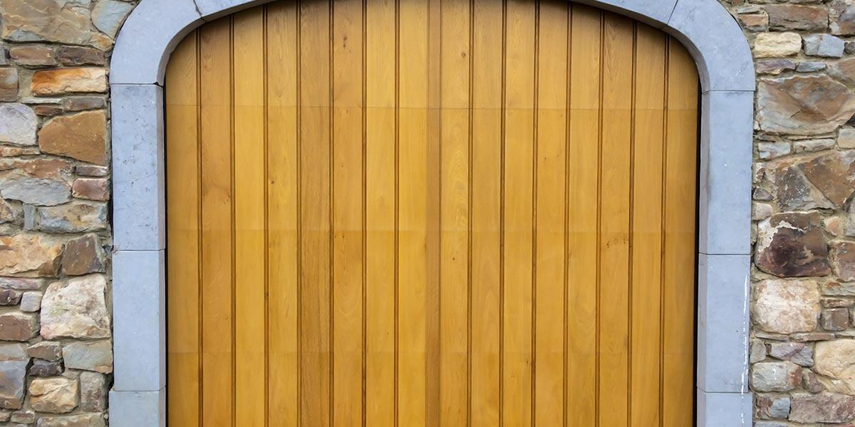 Eiken-garagedeur-en-voordeur-in-dezelfde-stijl-22