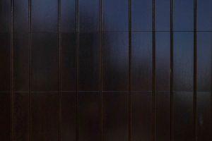 Elektrisch-houten-garagedeur-verticaal-a