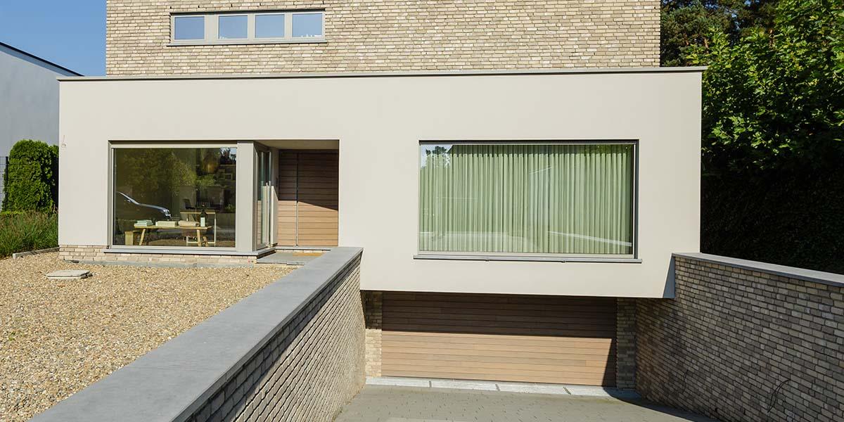 https://garagedeuren.s3.amazonaws.com/20180808090840/houten-sectionaal-garagedeur-horizontaal-geprofileerd-4.jpg