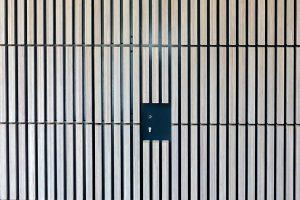 houten-sectionaaldeur-verticaal-bamboe-41