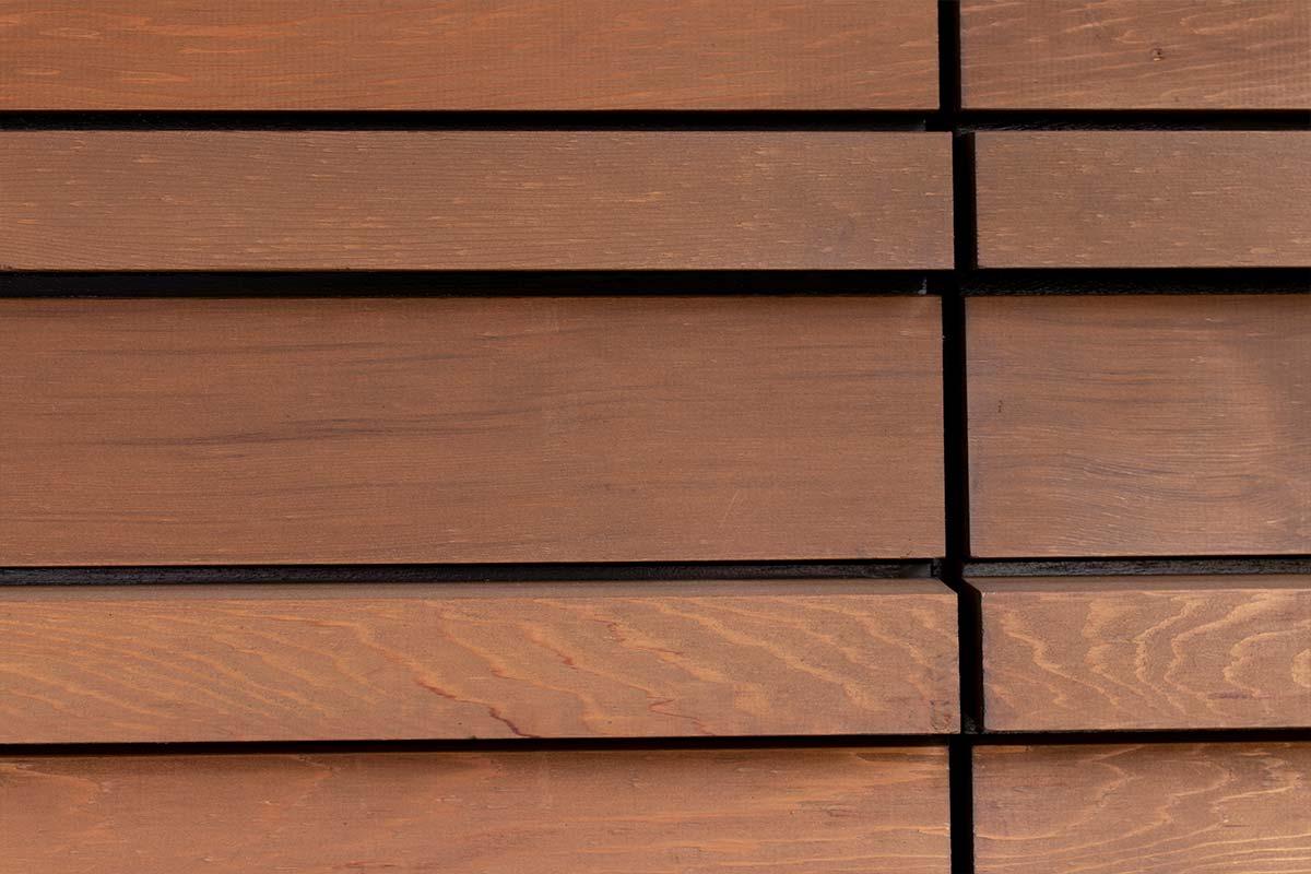 Houten-sectionaaldeur-Red-Cedar-latten-3