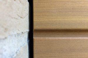 Houten-sectionaaldeur-loopdeur-geïntegreerd-in-de-gevel-4