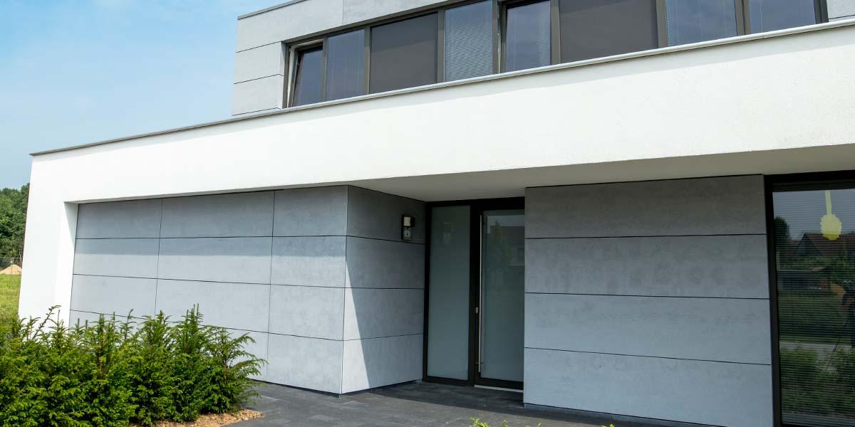 Sectionaaldeur-van-Trespa-geïntegreerd-in-de-gevel-29
