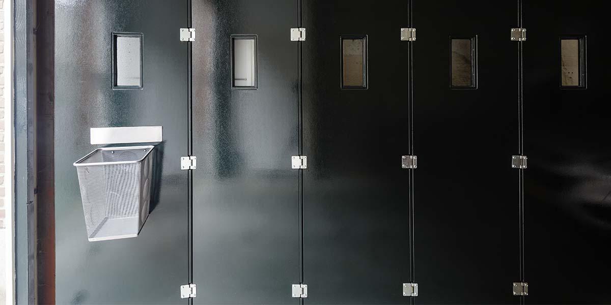 houten-zijwaartse-sectionaaldeur-monumentaal-pand-21