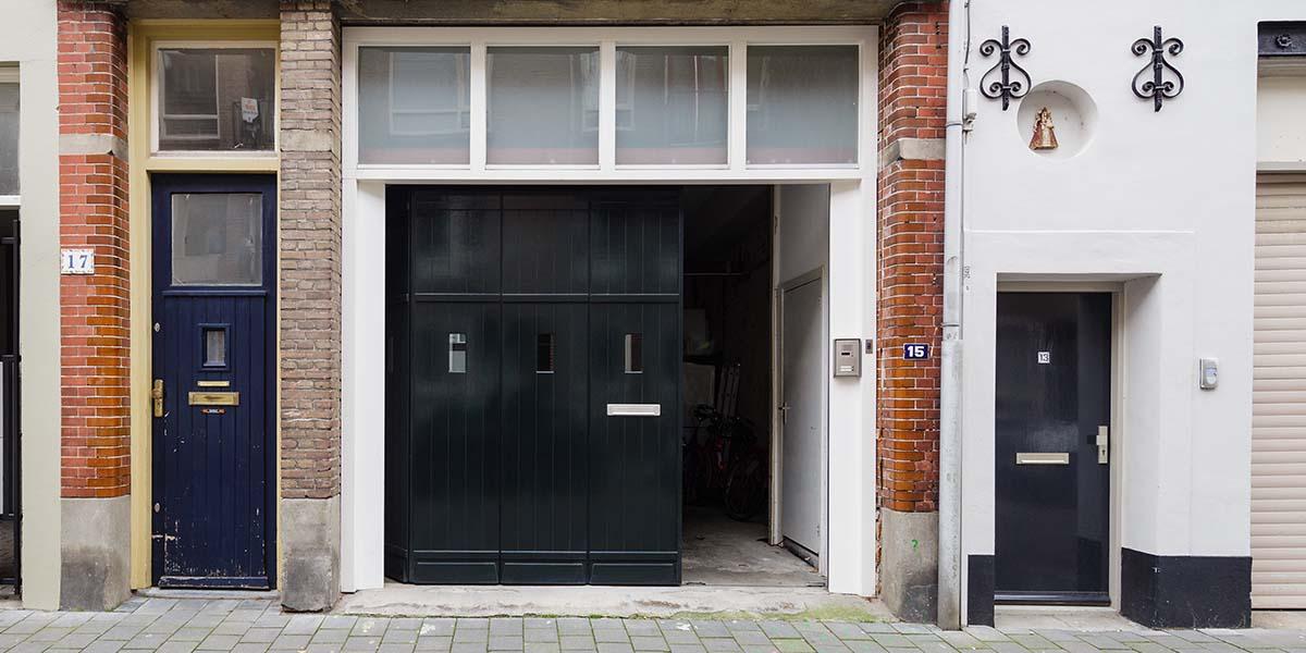 houten-zijwaartse-sectionaaldeur-monumentaal-pand-6