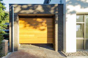 Red-Cedar-houten-sectionaaldeur-2