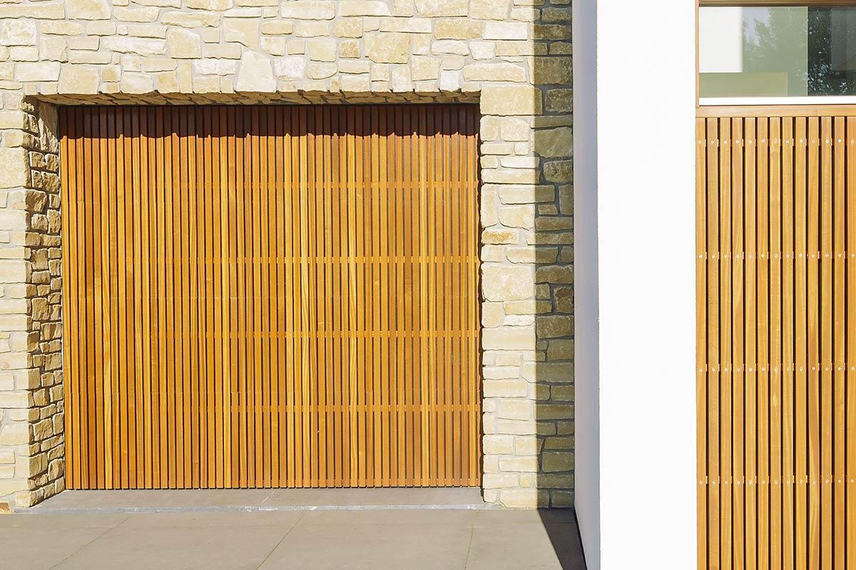 Mahonie-houten-sectionaaldeur-Budel