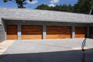 houten-garagedeuren-red-cedar-polen-4