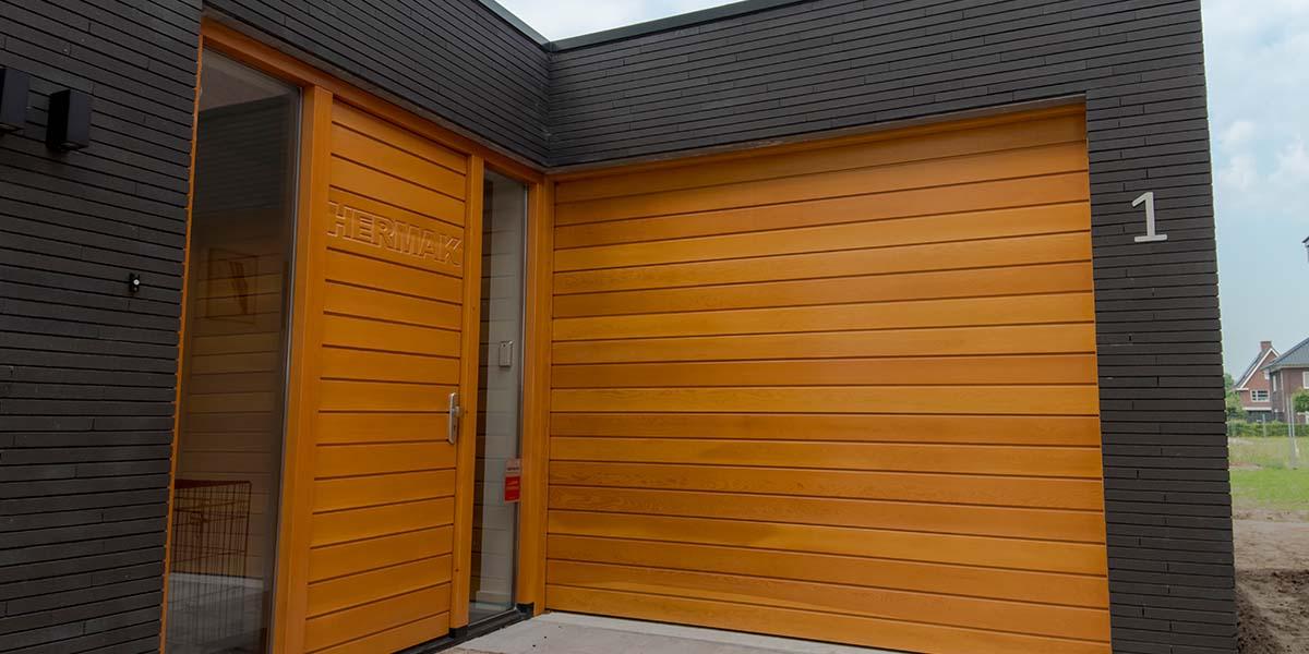houten-sectionaaldeur-oregon-pine-2