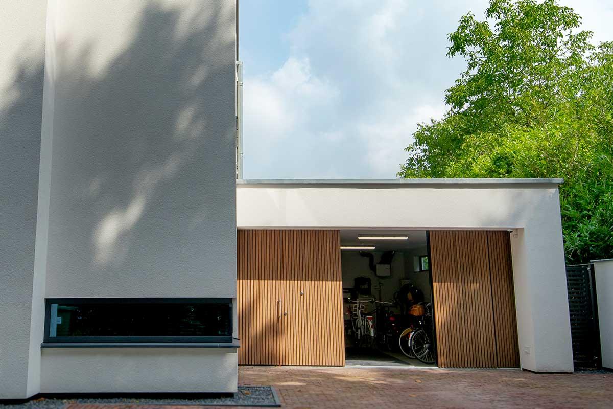 sectionaal-garagedeur-hout-zijwaarts