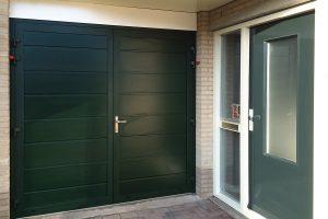 onderhoudsvrije openslaande garagedeur (horizontaal)