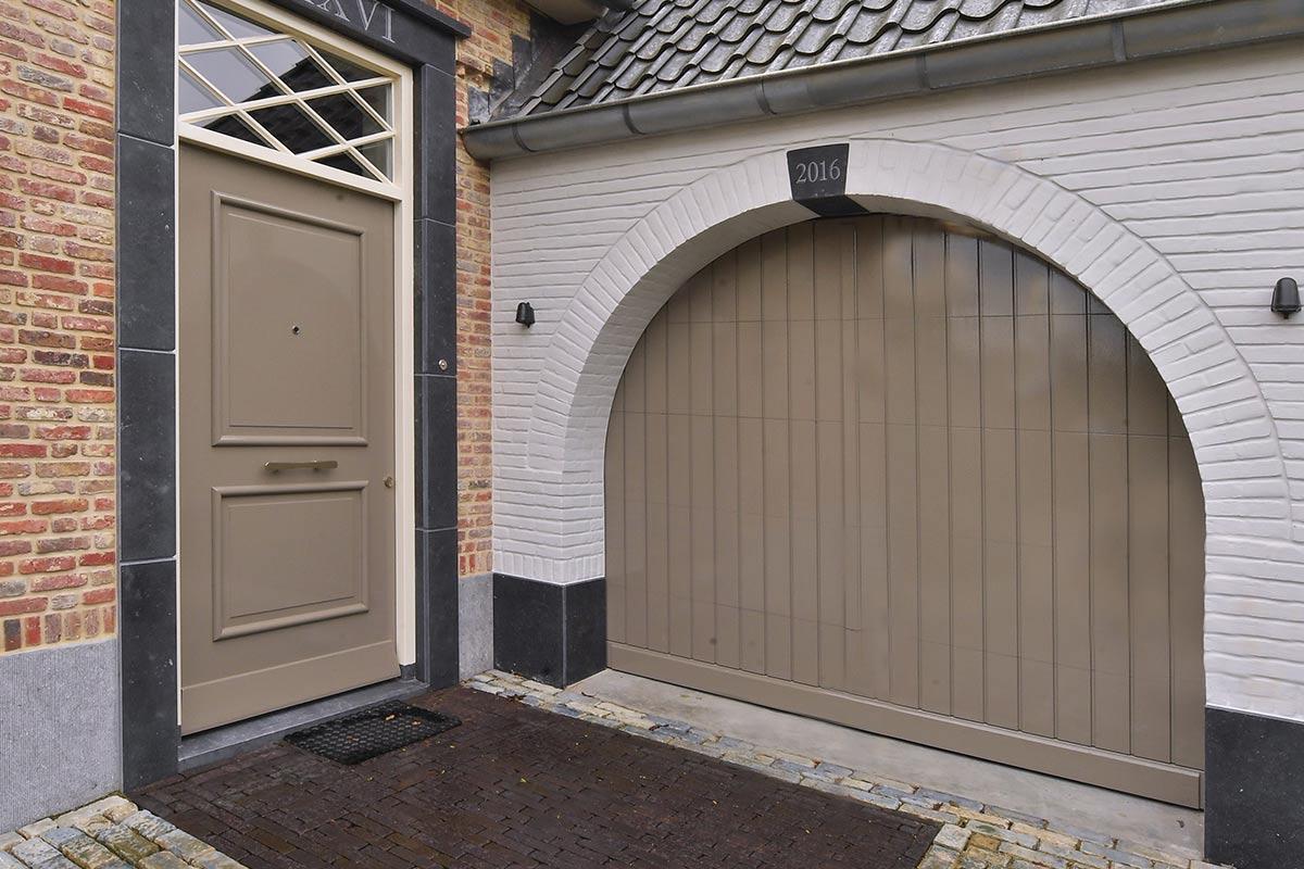 klassieke-houten-sectionaaldeur-slaglat-weldorpel-2