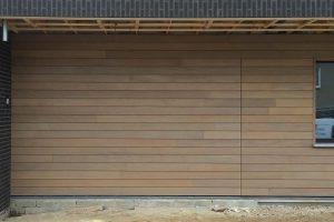 Afrormosia-houten-sectionaaldeur-3