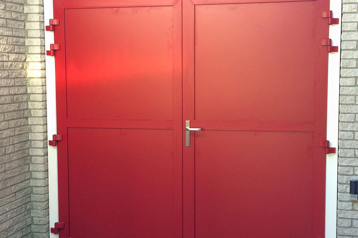Openslaande-garagedeur-met-vast-bovenraam-1