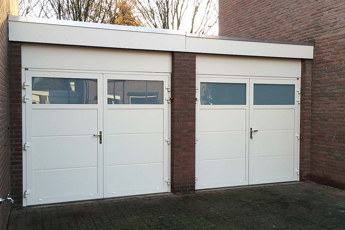 Twee-openslaande-garagedeuren-Buren-2
