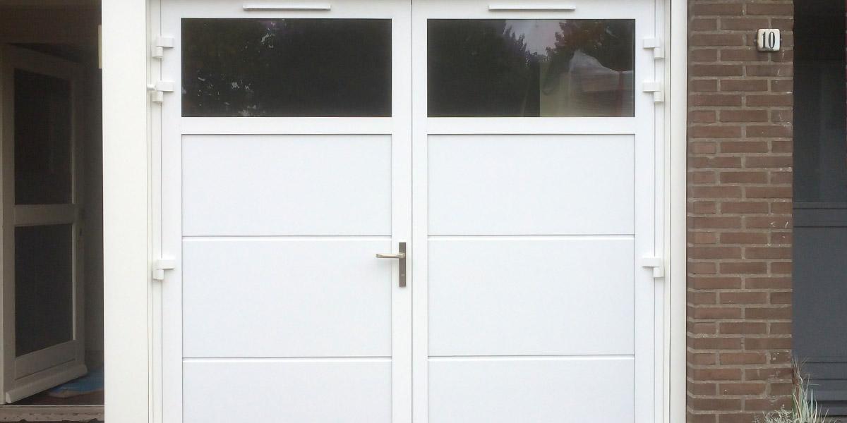 https://garagedeuren.s3.amazonaws.com/20180911104456/dubbele-deuren-glas-hr-vlak-2.jpg