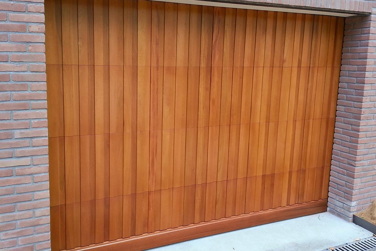 Meranti-houten-sectionaaldeur-3