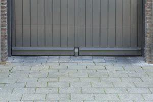 Verticale-houten-sectionaaldeur-2