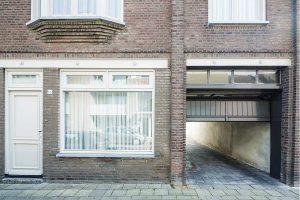 Verticale-houten-sectionaaldeur-4