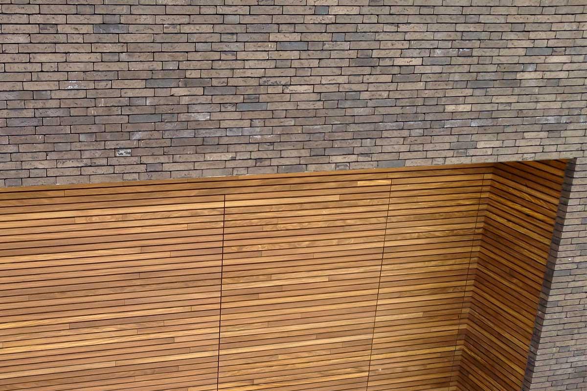 Free-Willy-Afrormosia-houten-sectionaaldeur-21