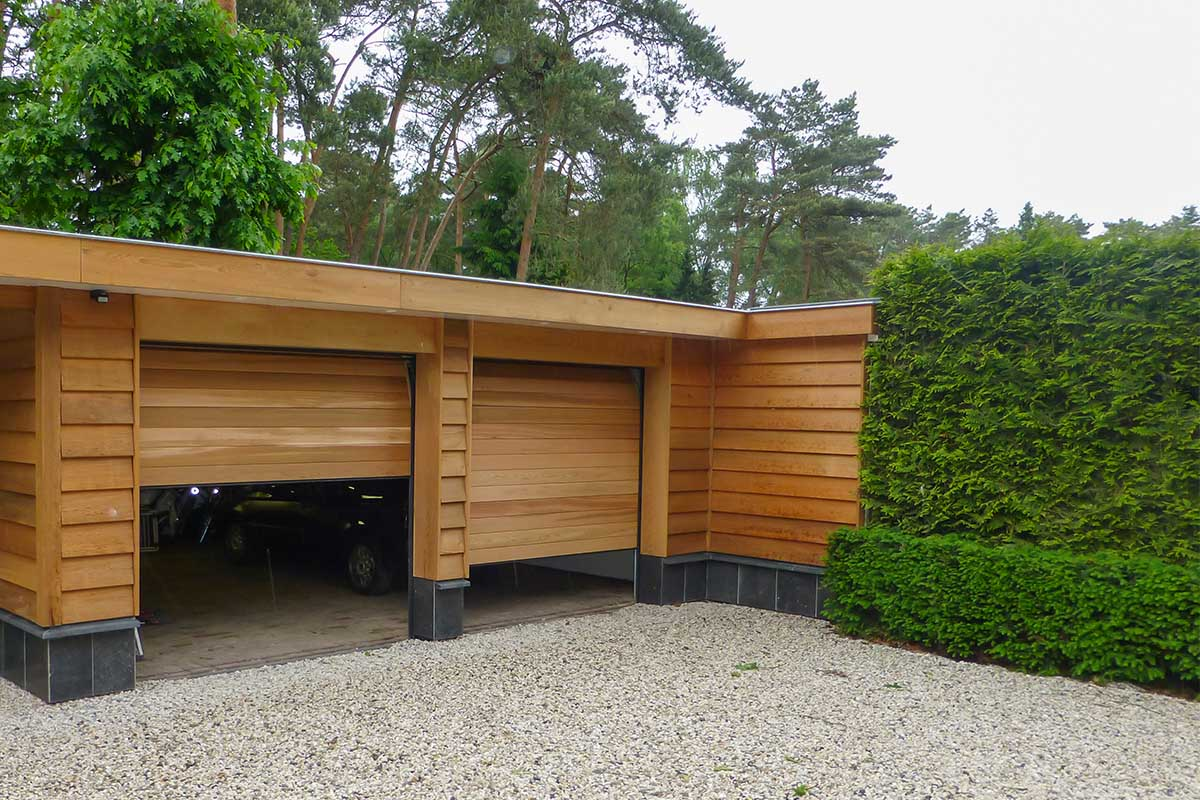 Twee-sectionaaldeuren-van-hout-3