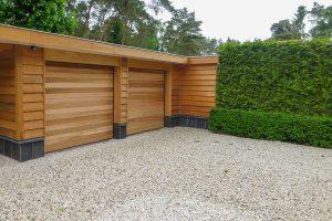 Twee-sectionaaldeuren-van-hout-6