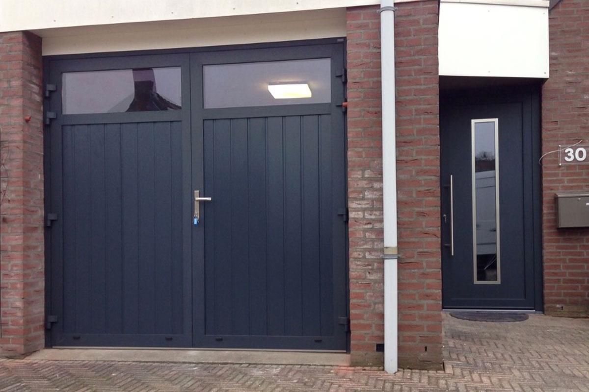 onderhoudsvrije garagedeur met voordeur
