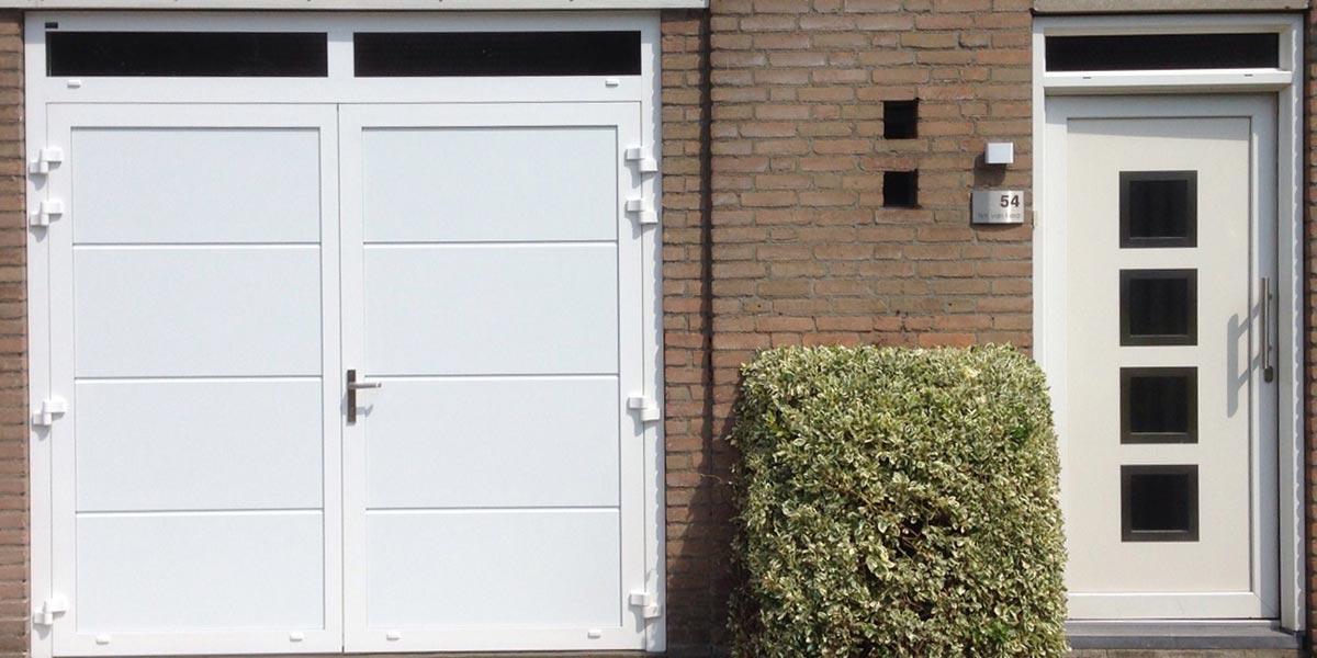 https://garagedeuren.s3.amazonaws.com/20181004113604/openslaande-deuren-smal-glas1.jpg