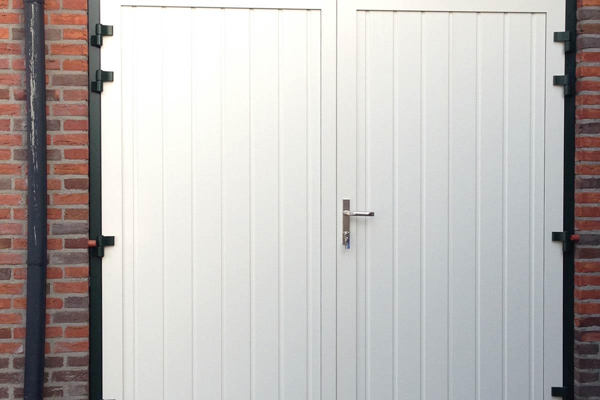openslaande-garagedeuren-verticale-panelen1