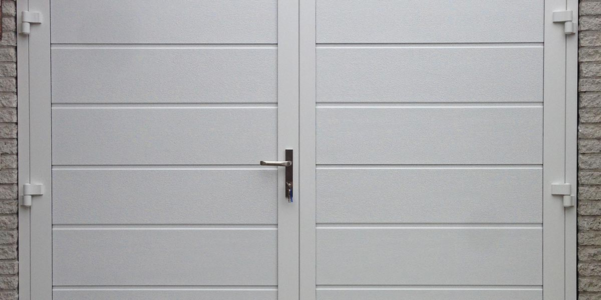 https://garagedeuren.s3.amazonaws.com/20181005155902/garagedeuren-openslaand-houtnerf-2.jpg