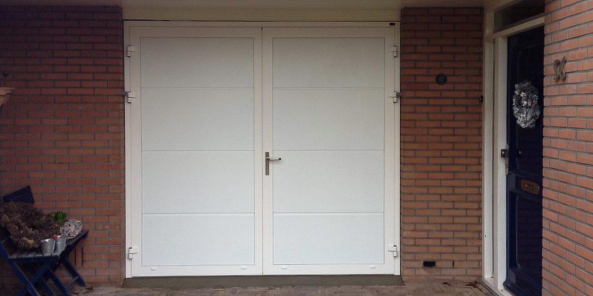 https://garagedeuren.s3.amazonaws.com/20181011143502/openslaande-deur-vlak-glad-structuurlak-brouwer-2.jpg