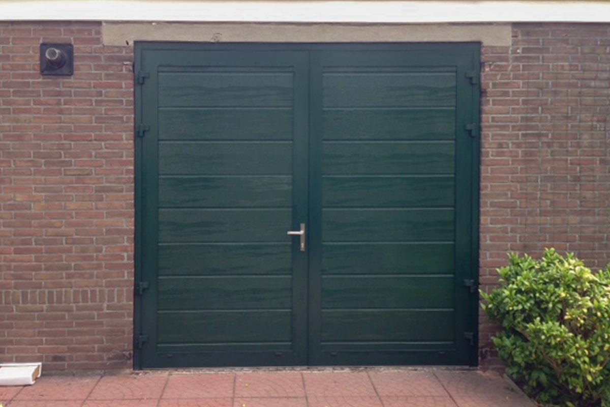 Openslaande-garagedeur-midden-profilering-wijk