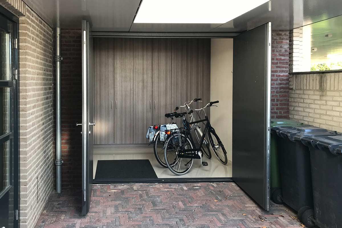 Houten-openslaande-garagedeur-horizontaal-2