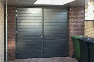 Houten-openslaande-garagedeur-horizontaal-3