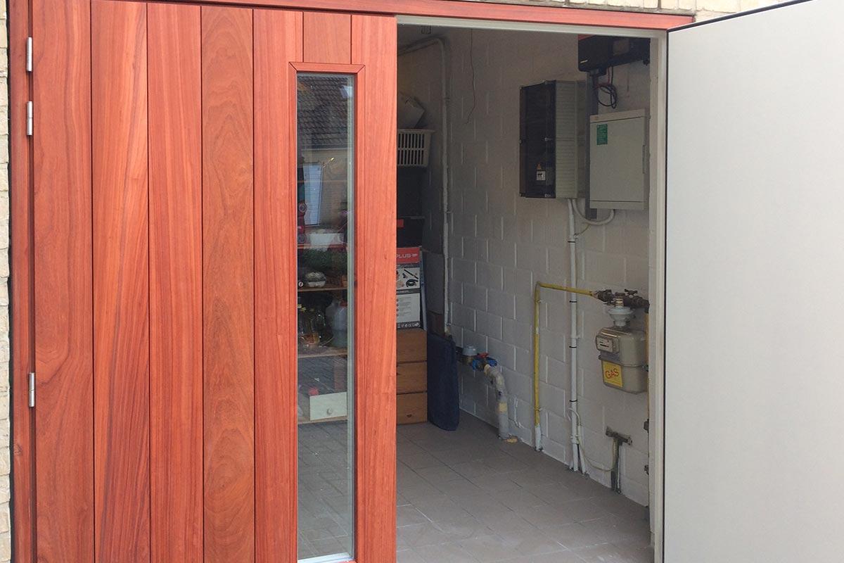 Openslaande garagedeur padoek