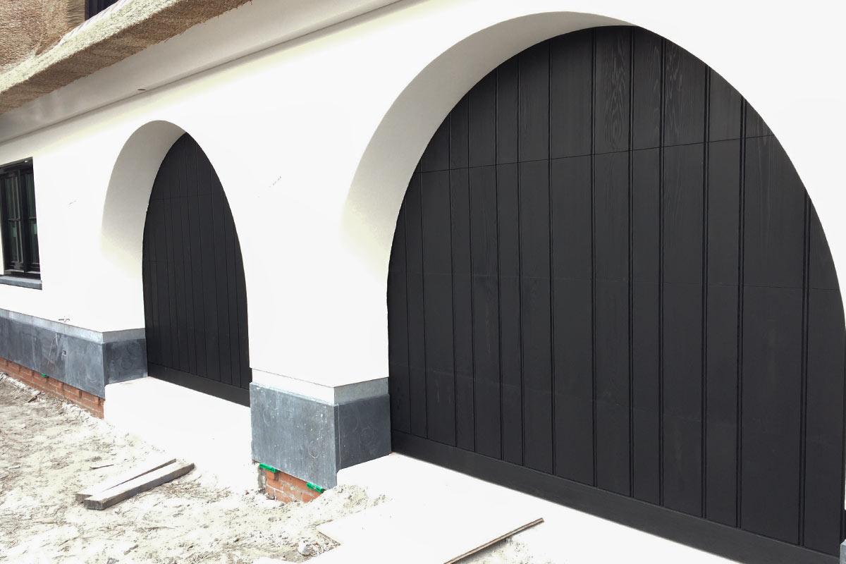 getoogde houten sectionaaldeuren