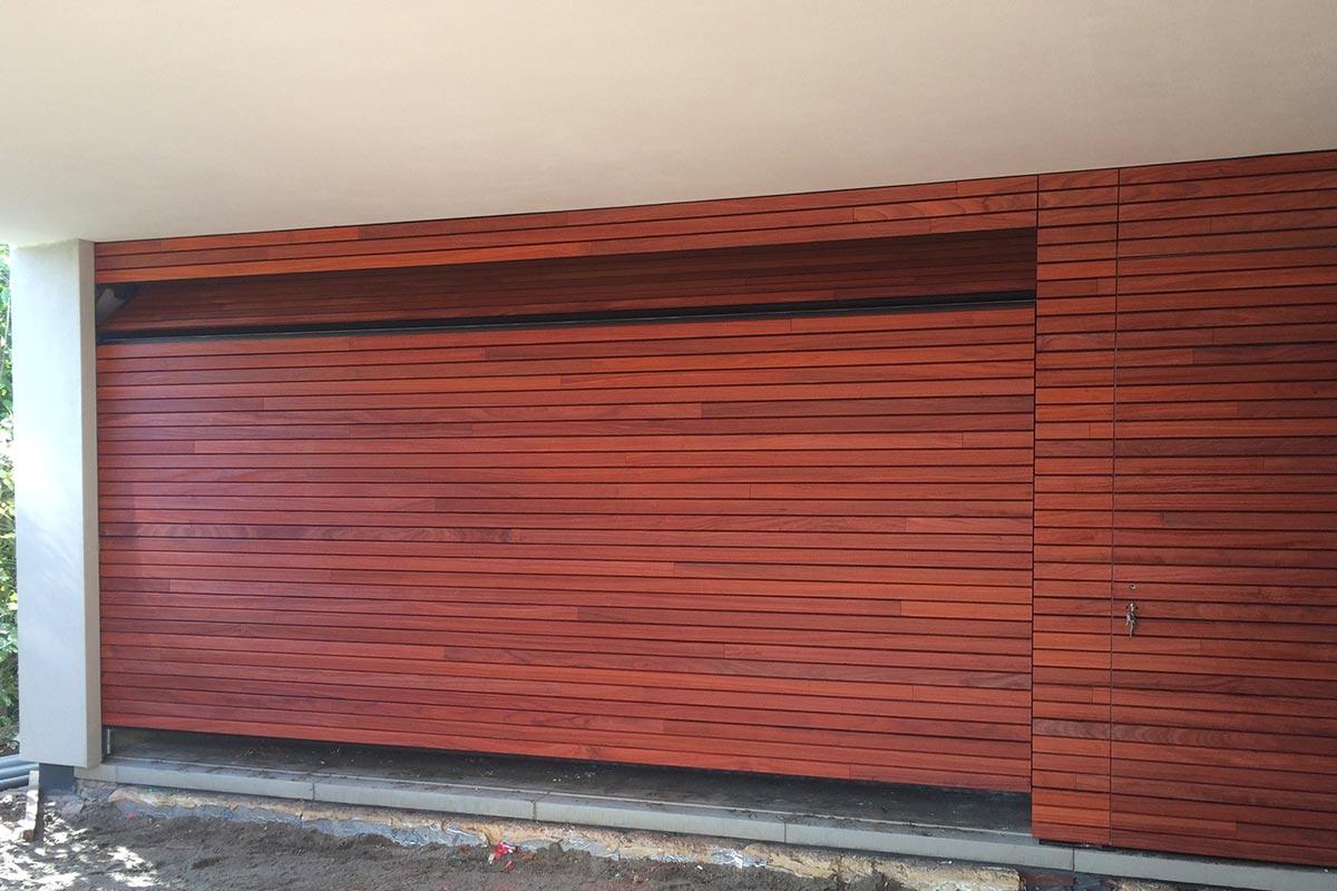 houten-sectionaaldeur-loopdeur