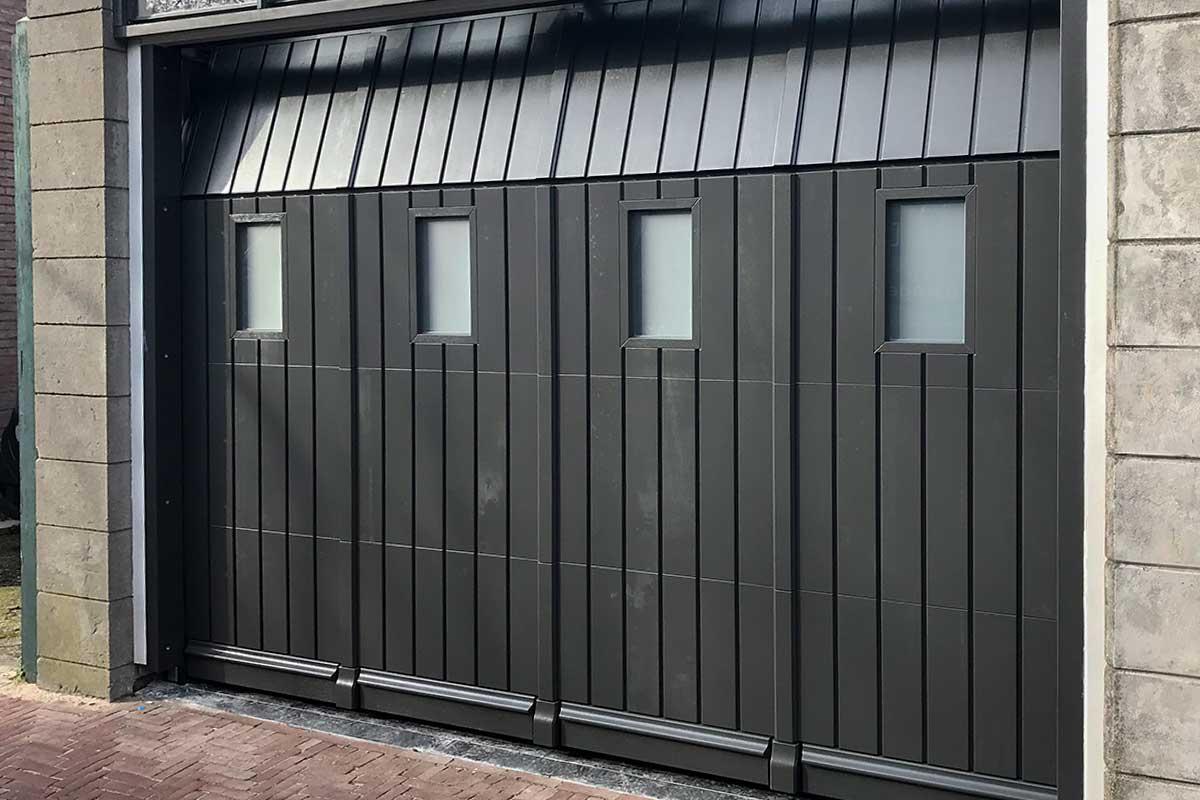 verticale-sectionaaldeur-met-glas