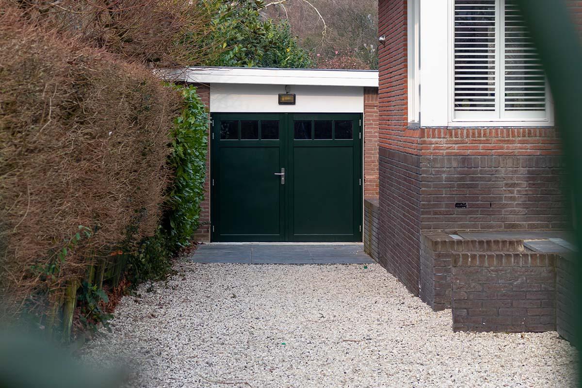 houten-openslaande-garagedeur-met-raampjes_0004