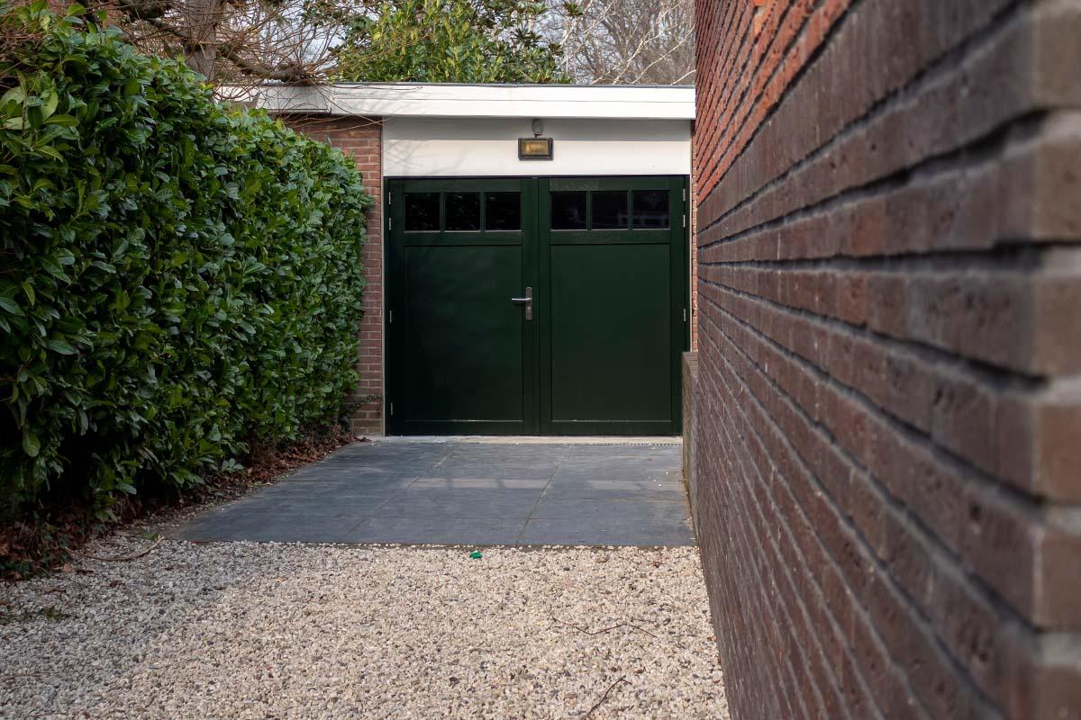 houten-openslaande-garagedeur-met-raampjes_0007