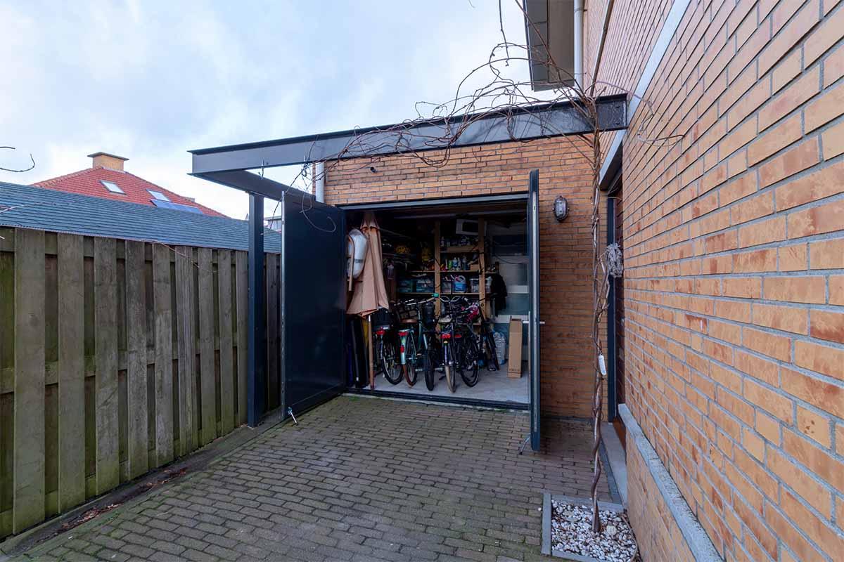 houten-openslaande-garagedeur-grijs-blauw_0001