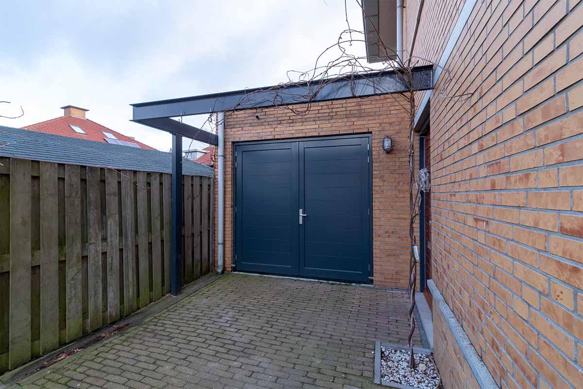 houten-openslaande-garagedeur-grijs-blauw_0003
