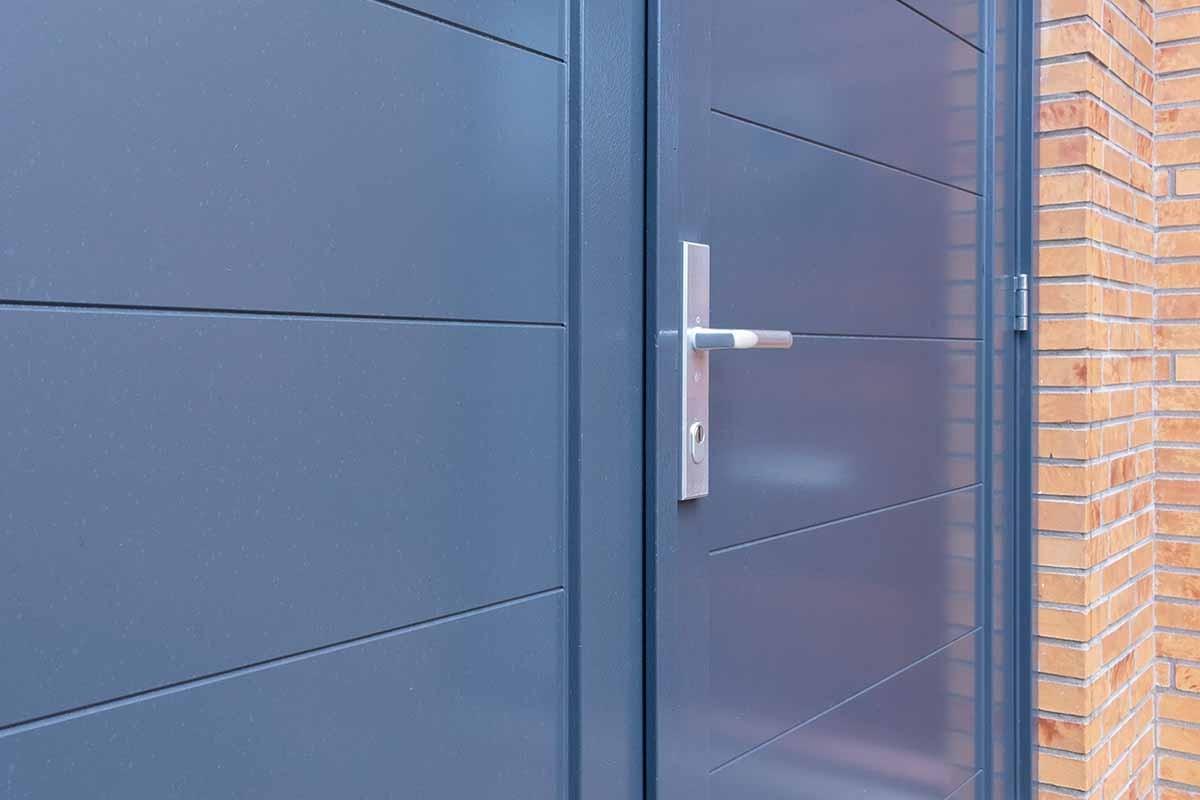 houten-openslaande-garagedeur-grijs-blauw_0005