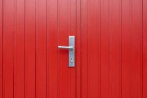 houten-openslaande-garagedeur-u-groef