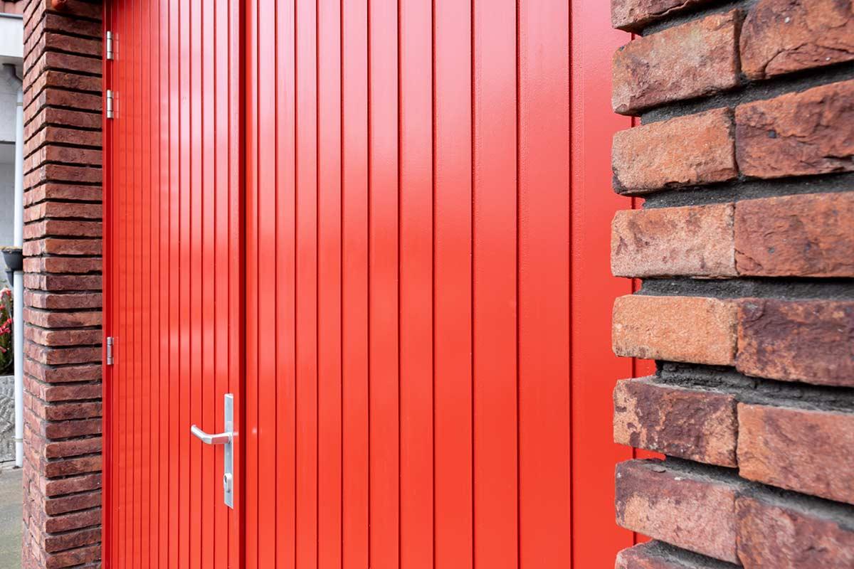houten-openslaande-garagedeur-u-groef-2