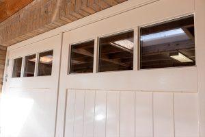 houten openslaande garagedeur glas